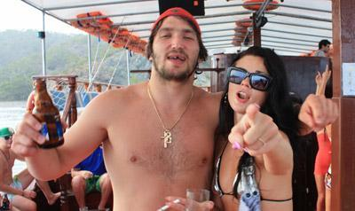 alex-ovechkin-party-boat-2
